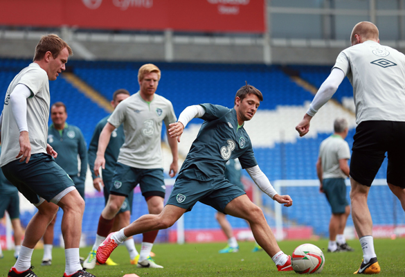 Wes-Hoolahan-(centre)-during-a-training-session-at-the-Cardiff-City-Stadium