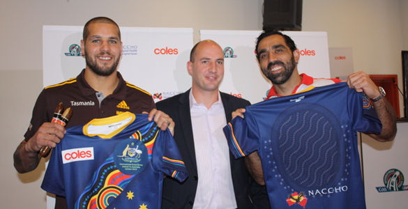 Lance Franklin (left), with Tadhg Kennelly and Adam Goodes at a provisional Australian squad announcement in August. (Pic: Billy Cantwell/Irish Echo)