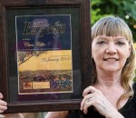 Chris Gillic with her Mt Isa legend award