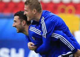 Northern Ireland's Steven Davis (right) and Conor McLaughlin (left) during a training session at the Parc Des Princes, Paris.